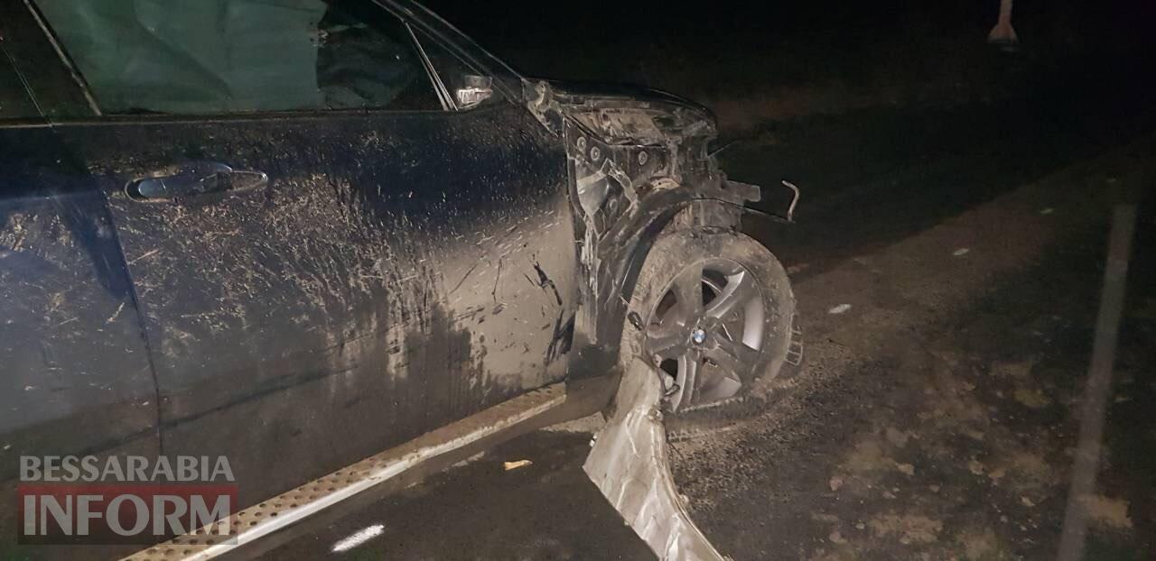 Под Измаилом BMW X6 врезался в гужевую повозку. Есть погибший (фото 18+)