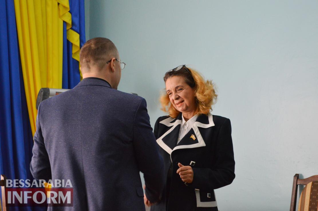 Сессия с праздничным уклоном: депутатов и чиновников горсовета Килии наградили грамотами
