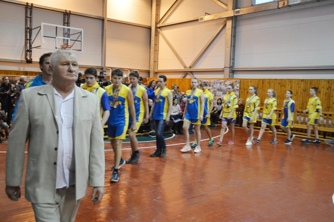 В Вилковской ДЮСШ подвели годовые итоги: чемпионов и начинающих спортсменов отметили грамотами и подарками