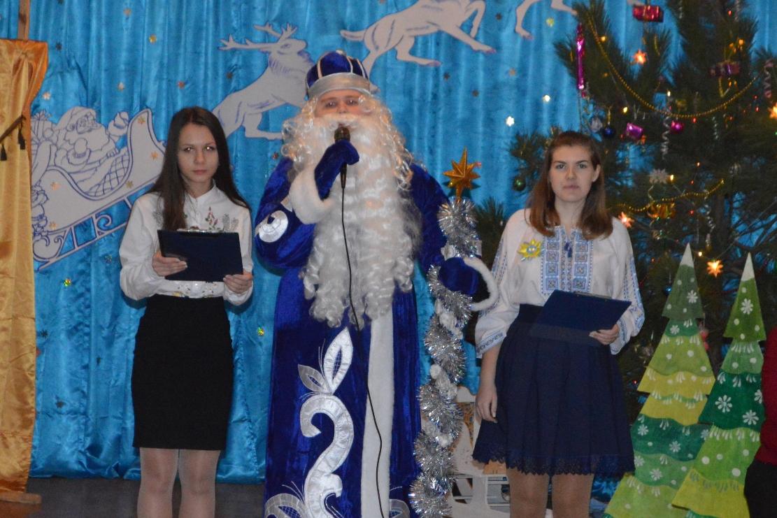 Хорошая традиция: в Вилковской школе поздравили отличников и их родителей