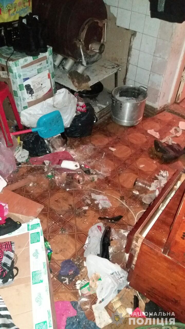 """""""Такого ужаса за свою практику еще не видели"""": полиция забрала детей у нерадивой мамаши в Измаильском районе"""