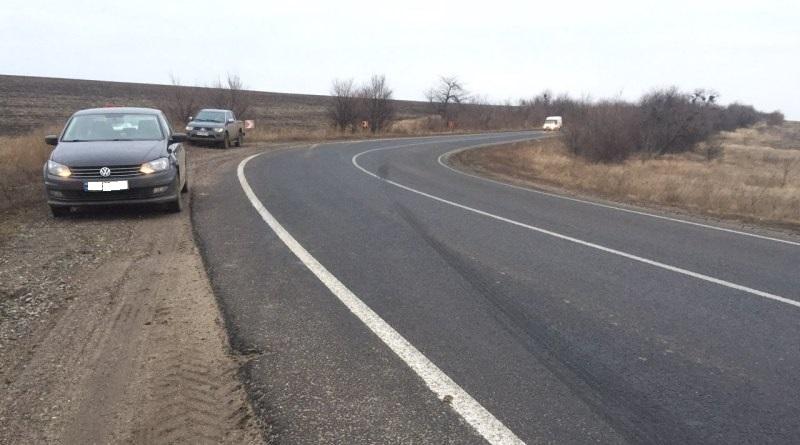 На трассе Одесса-Рени перевернулась фура с семечкой