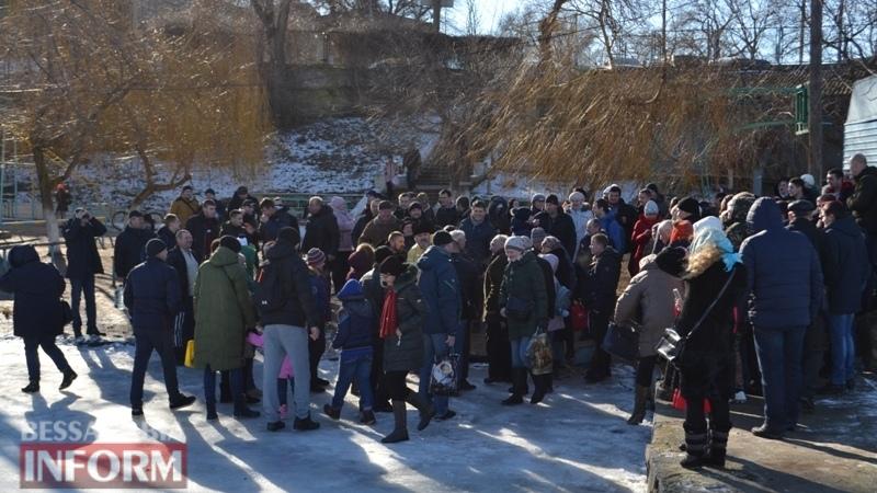 Аккерманцы в день Крещения окунались в Днестровский лиман (фоторепортаж)