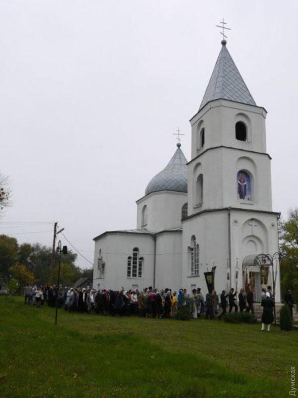 В Одесской области к Православной церкви Украины присоединились верующие целого райцентра — во главе с благочинным