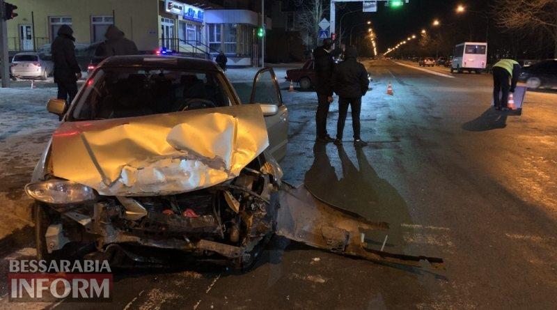 В Измаиле столкнулись Mazda и автомобиль патрульной полиции. Есть пострадавшие