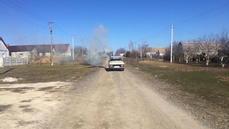 В Одесской области водитель отапливает свой «Москвич» при помощи буржуйки