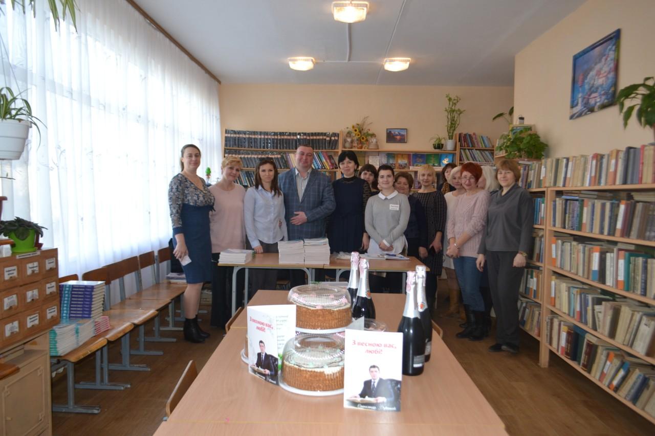 По хорошей традиции Александр Дубовой поздравил более 10 тысяч женщин Бессарабии с праздником Весны