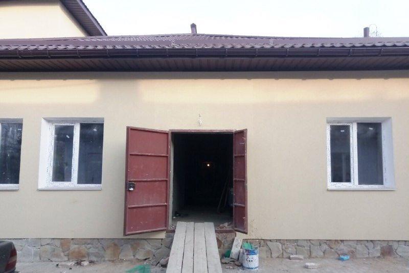 В Старой Некрасовке продолжается капитальный ремонт амбулатории в здании 1918 года