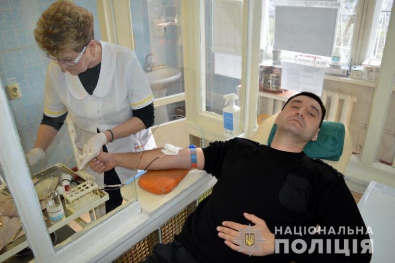 Одесские полицейские присоединились к спасению 11-месячного Даника из села Шабо
