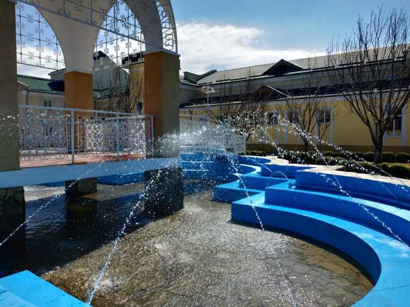 Символично: ко Дню театра в Измаиле заиграл фонтан в Театральном сквере