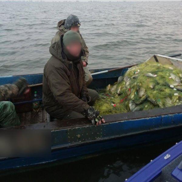 На заповедной территории Днестровского лимана задержали браконьеров, которые выловили более 100 кг рыбы