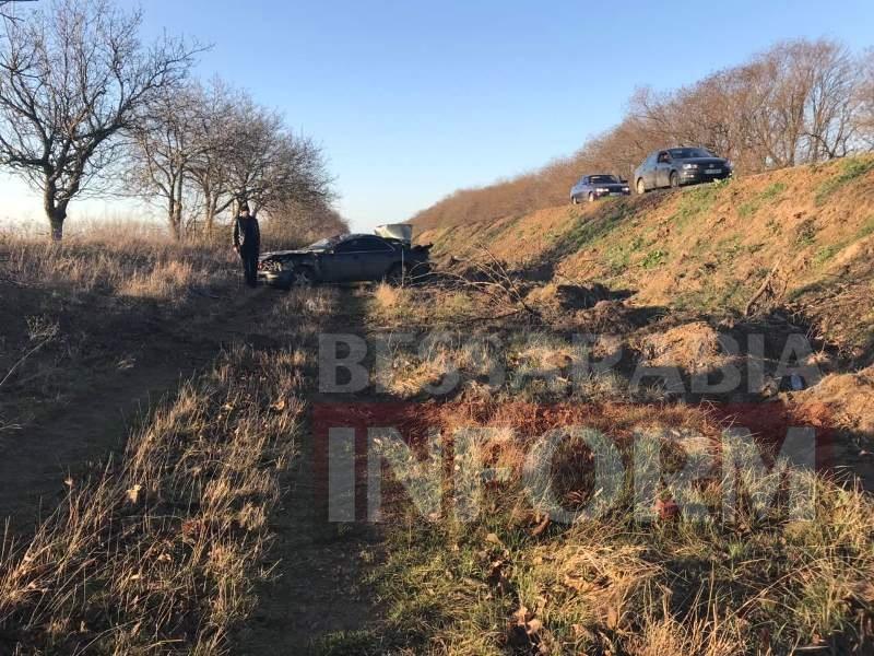 На трассе Одесса-Рени из-за попавшей в колесо палки Toyota перевернулась четыре раза