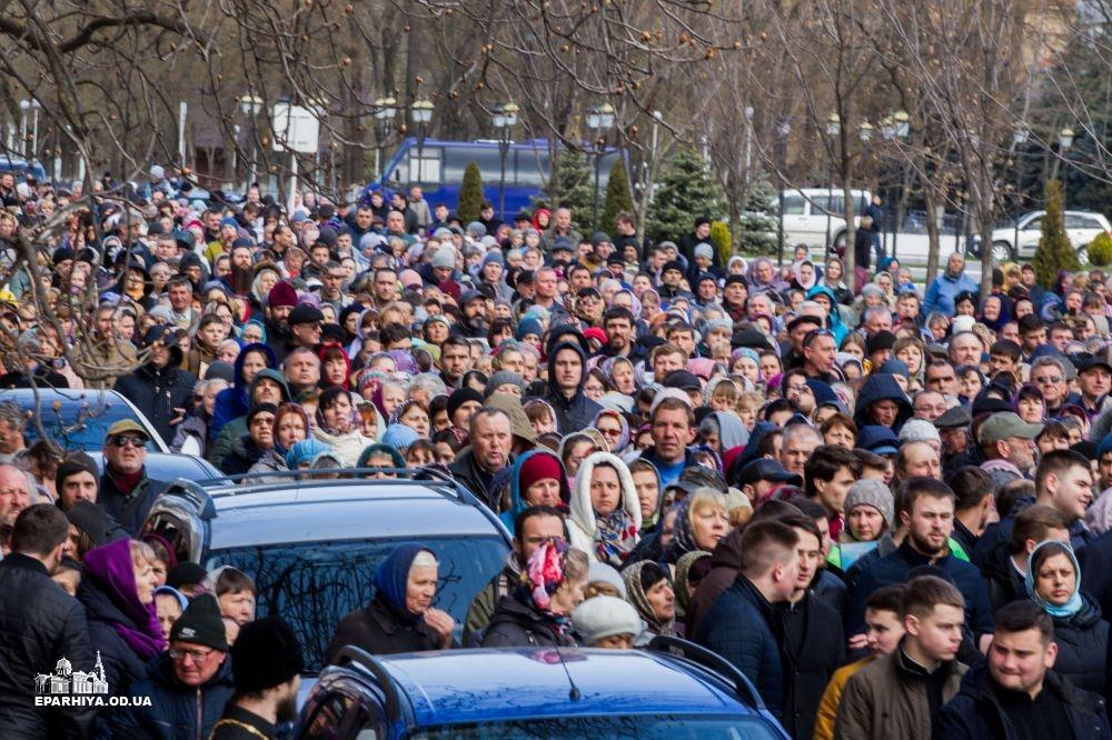 Многотысячный Крестный ход по улицам Измаила: как это было