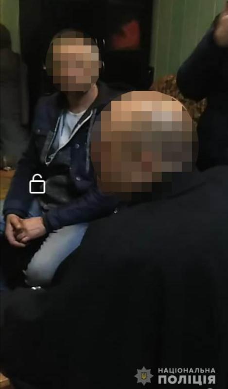 В Тарутинском районе разбойники ворвались ночью в дом и, запугав хозяйку, похитили 10 тыс. долларов