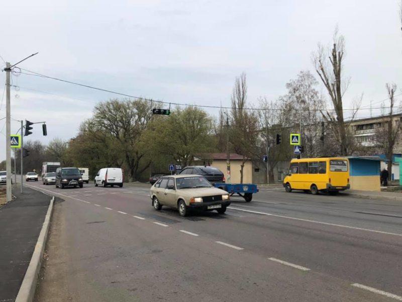 На одном из участков трассы «Одесса-Рени» установили светофоры и дорожные знаки