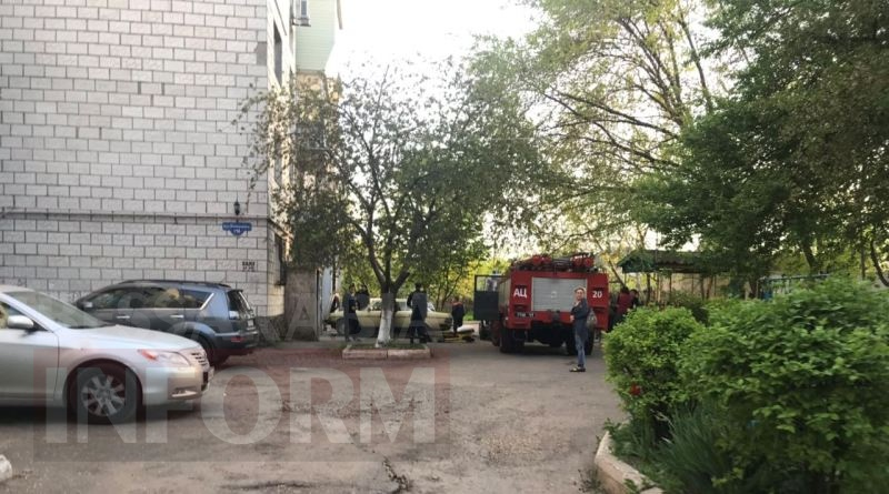 Появились фото с места взрыва на первом этаже многоэтажки в Измаиле