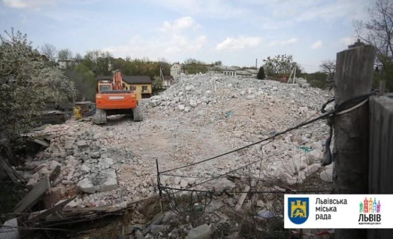 Актуально для Измаила: в Украине впервые снесли незаконную многоэтажку