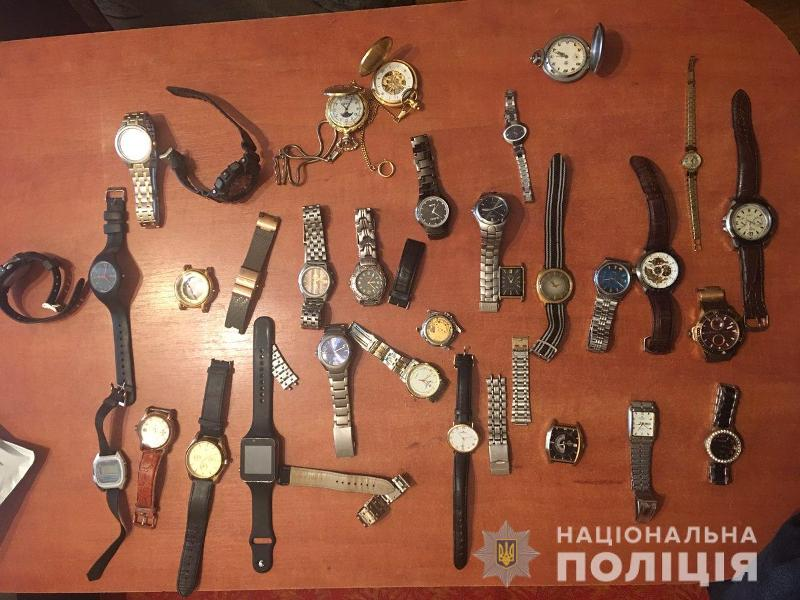 Грабитель-коллекционер: в Белгород-Днестровском полиция ищет владельцев изъятого имущества