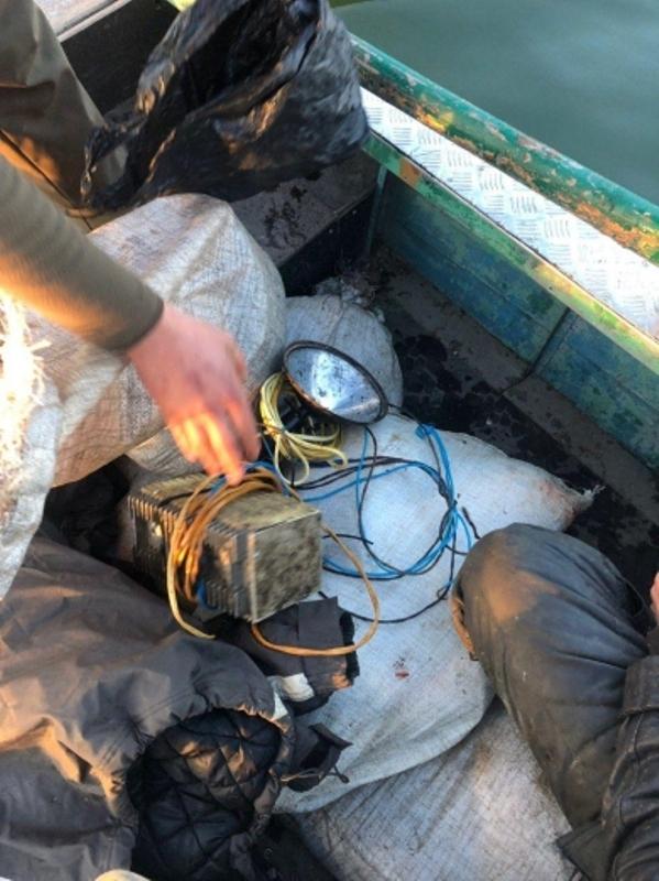 На озере Кугурлуй браконьеры с помощью электротока добыли почти 84 кг рыбы