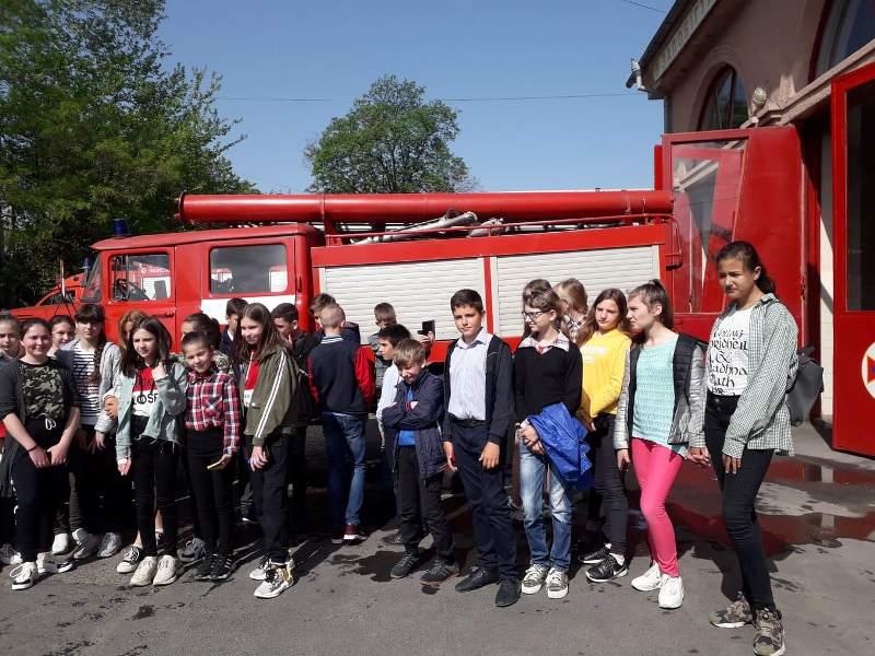 «Запобігти. Врятувати. Допомогти»: Измаильские спасатели показали мастер-класс школьникам