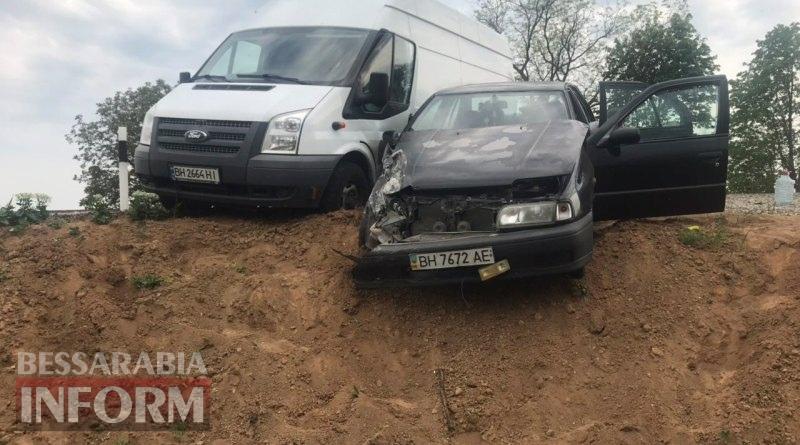 Опасный обгон: на трассе Одесса-Рени столкнулись Ford Transit и Nissan Primera