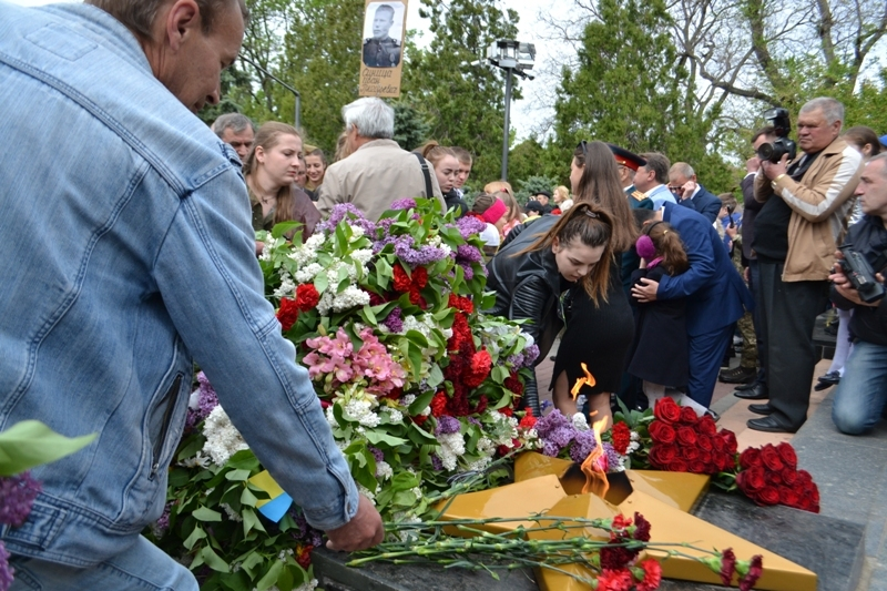 Живой коридор, митинг-реквием, выставка и праздничный концерт: в Белгород-Днестровском отметили День Победы