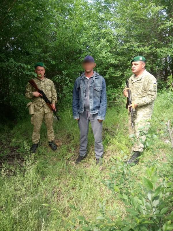 В Болградском районе пограничники задержали жителя Николаевской области, который пытался незаконно попасть в Молдову