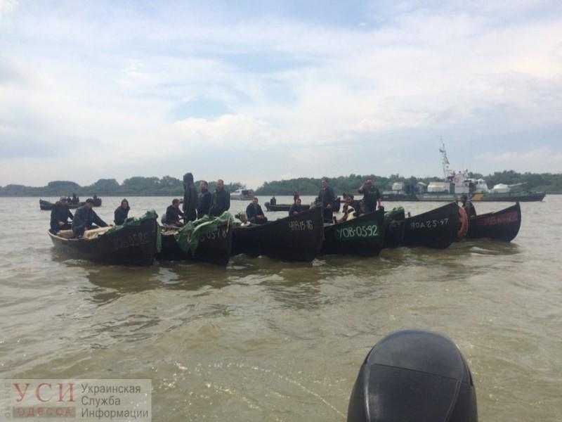В Вилково рыбаки перекрыли лодками Дунай в знак протеста
