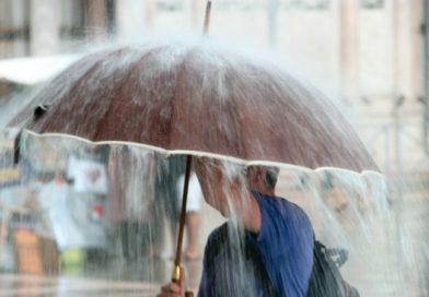 Украину сегодня вновь накроют повсеместные дожди с грозами
