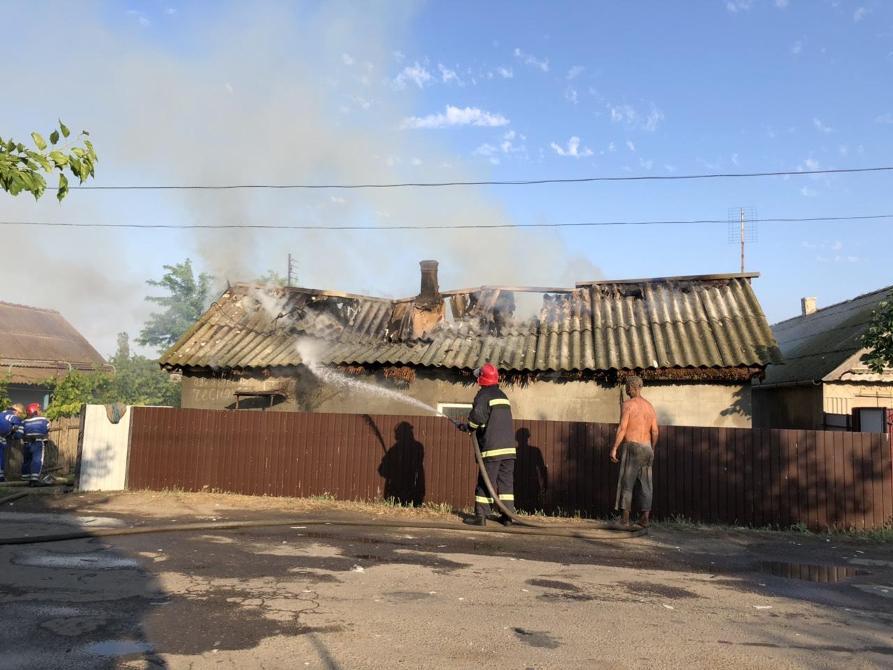 В селе Кислицы в результате пожара пенсионер оказался без крыши над головой