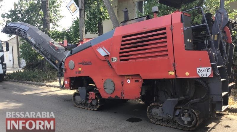 В одном из спальных районов Аккермана начался капитальный ремонт аварийного участка дороги