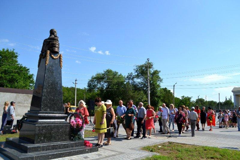 В Болграде почтили память основателя города Ивана Инзова: 174-ая годовщина со дня смерти