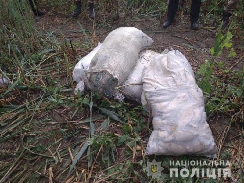 На озере Кагул полиция поймала двух местных браконьеров, которые наловили рыбы на 65 тысяч гривен