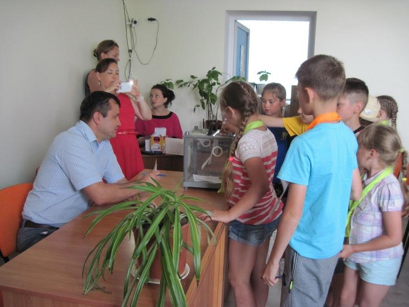 В Татарбунарах дети смогли почувствовать себя депутатами горсовета и представили свои проекты по благоустройству города
