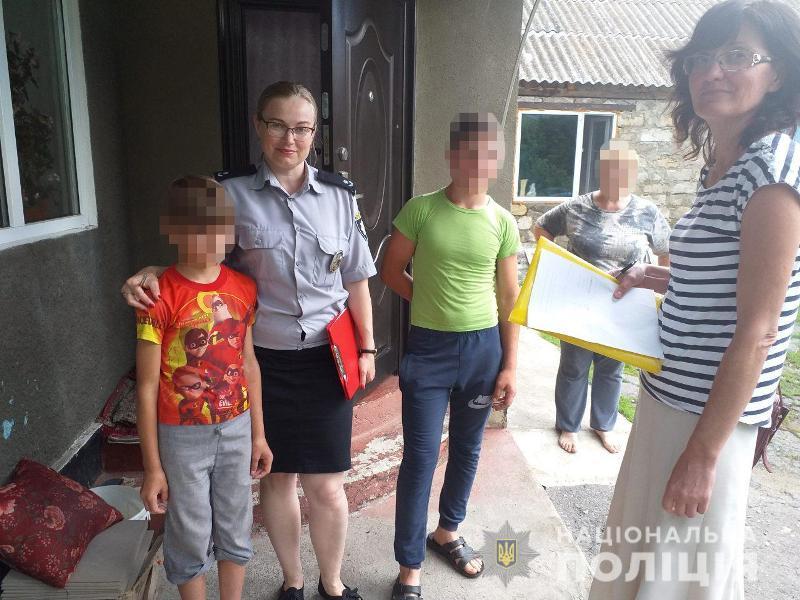 Дети грязные, матери пьяные: в Измаильском районе ювенальная полиция и представители местной власти посетили кризисные семьи