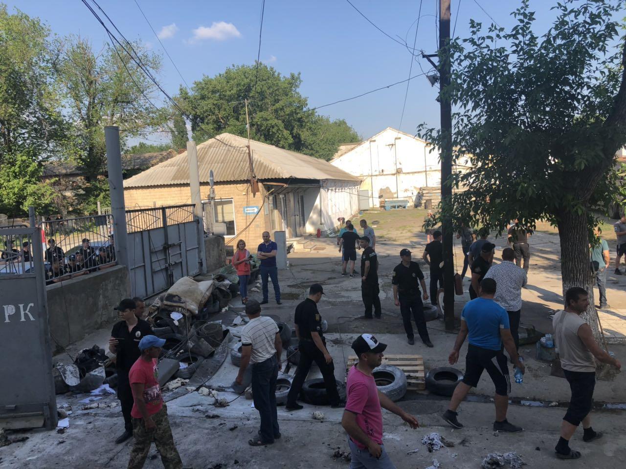 Бессарабские аграрии прорвали блокаду Измаильского элеватора и получили доступ к своему зерну