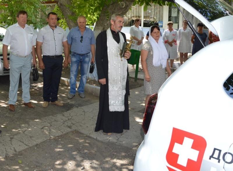 Измаильский р-н: амбулатория села Кирнички получила новый служебный  автомобиль Renault Duster