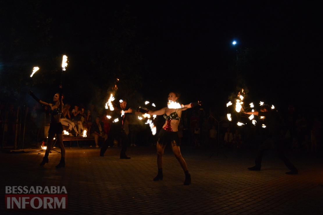 Конкурсная программа, фокусник-профессионал и яркое фаер-шоу: в Килии состоялся Семейный фестиваль (фоторепортаж)