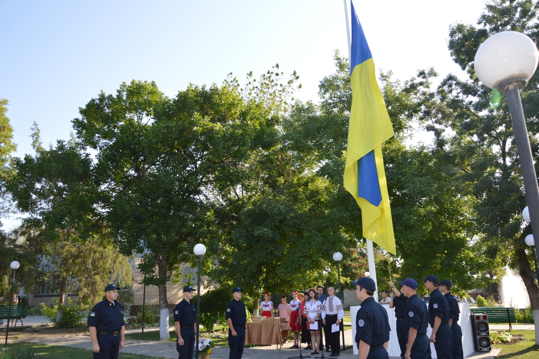 В Килии торжественно подняли государственный Флаг (фоторепортаж)