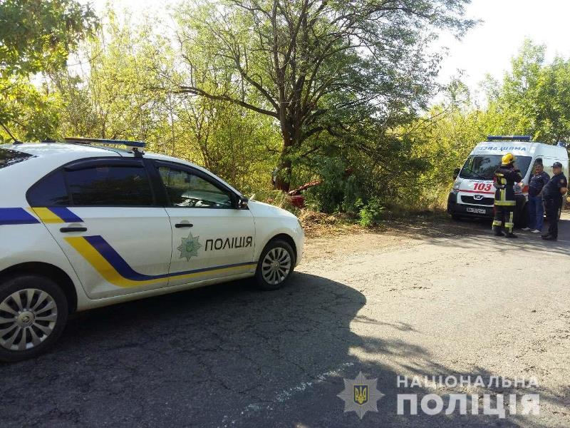 Смертельное ДТП в Белгород-Днестровском районе: водитель не справился с управлением и врезался в дерево