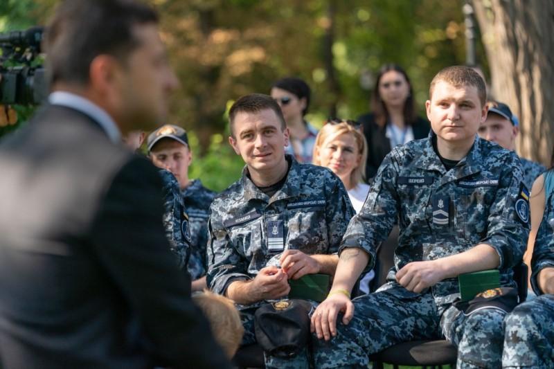 Освобожденным из российского плена морякам выделят жилье в Одессе