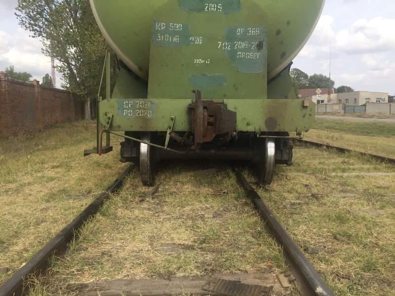 На подъездном пути станции Измаил сегодня сошли с рельсов две цистерны со сжиженным газом пропаном