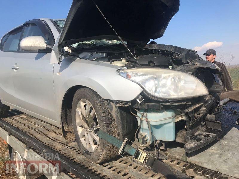 На трассе Одесса-Рени гражданин Болгарии за рулем Hyundai на крутом повороте залетел под фуру
