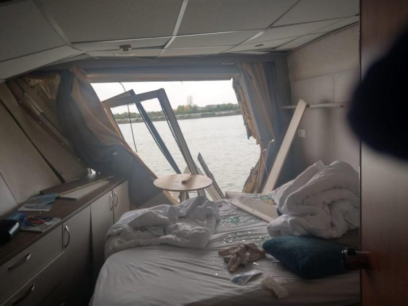 На румынском участке Дуная, недалеко от Тулчи, произошла авария между круизным лайнером и грузовым судном - есть пострадавшие