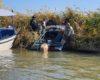 В Одесской области из-за сильно ветра рыбака на моторной лодке накрыло волной