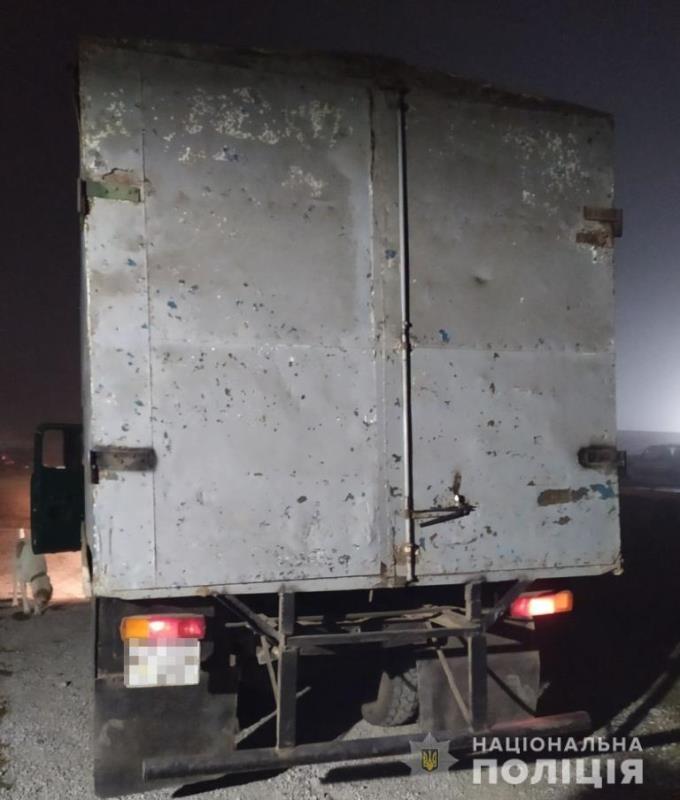 В Арцизе водителя грузовика остановили пьяным за рулем: он устроил драку с полицией и позвал на помощь своего работодателя