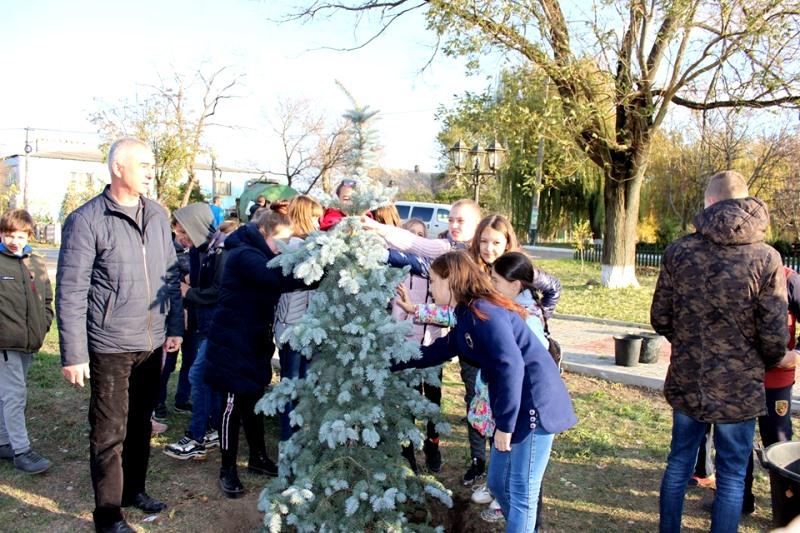 В родном поселке Даши Лукьяненко увековечили её память