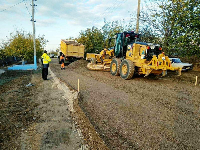 В Татарбунарском районе возле села Траповка начался ремонт местной автодороги, который откроет путь к курортным поселкам района