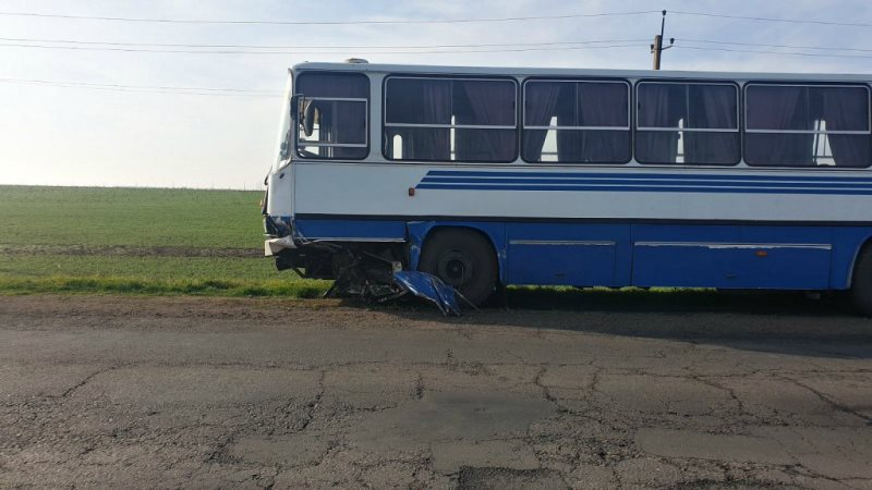Под Южным произошло масштабное ДТП: столкнулись пять автомобилей и автобус
