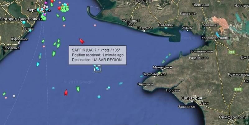 Захваченные россиянами корабли вернут Украине сегодня ночью: заними ужевышли буксиры